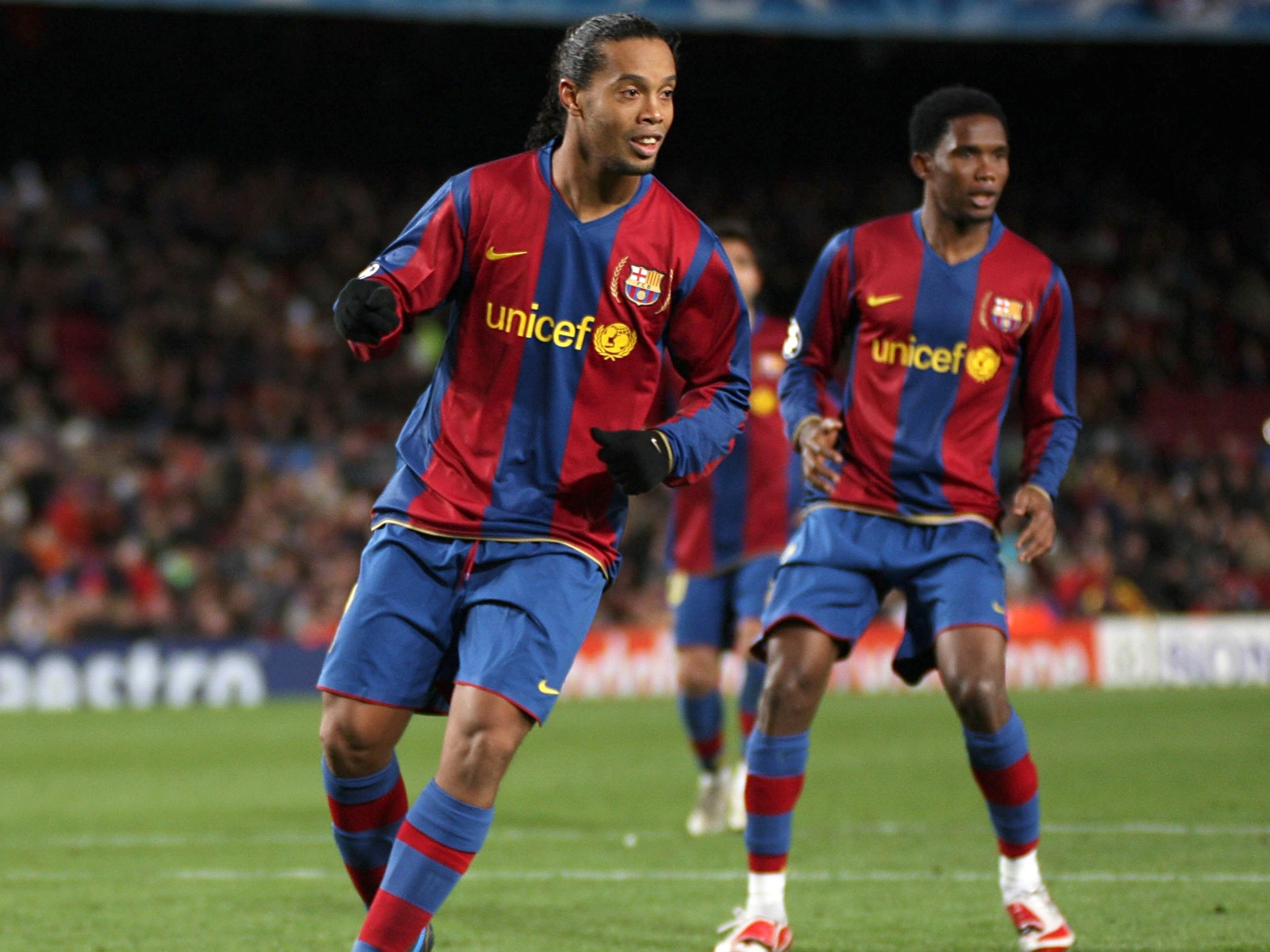 Eto'o Sends Emotional Message To Ronaldinho In Jail