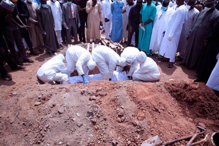 Abba Kyari - Nigerians Attack Presidency Over Burial