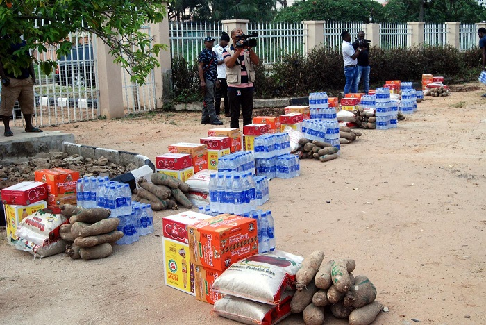 Lockdown - Inmates Get Relief Items In Edo