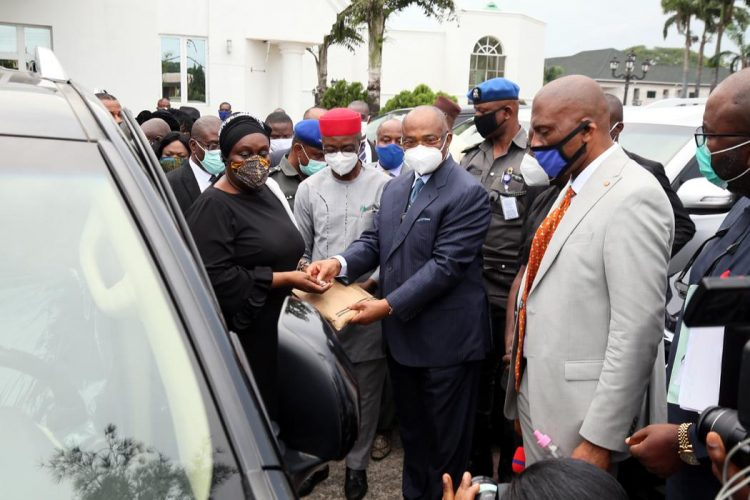Uzodimma Gives 20 New SUVs To Imo State Judges