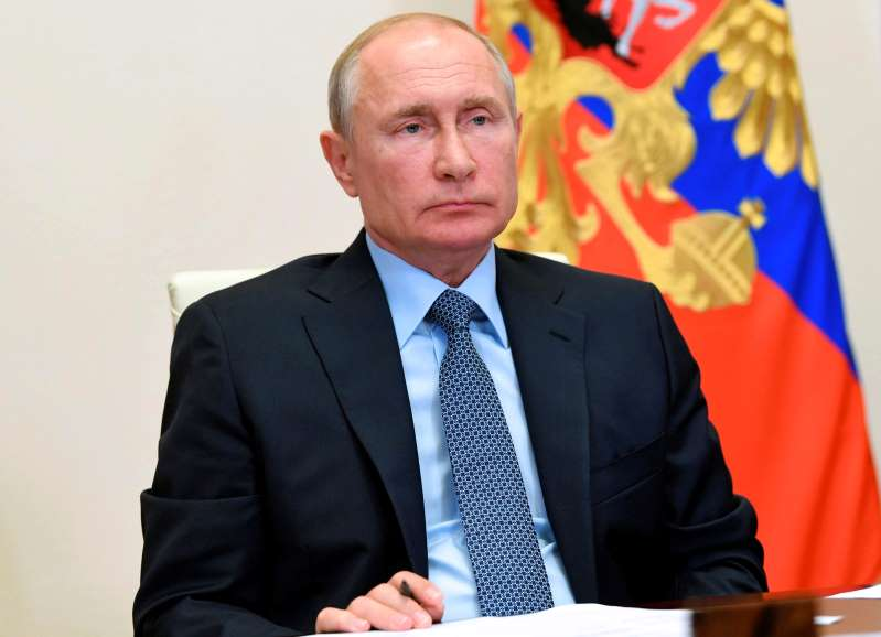 Putin orders officials to fully clean Arctic fuel spill area