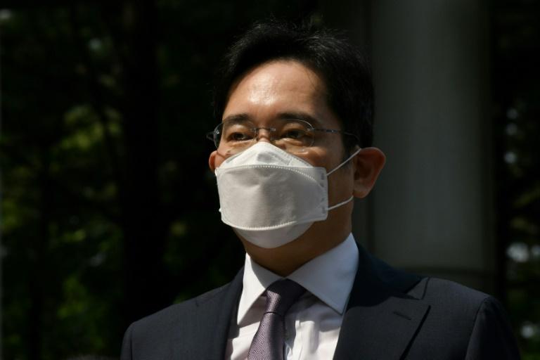 South Korea court to rule on arrest warrant for Samsung heir