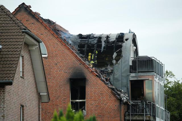 3 killed, child injured after plane crashes into home