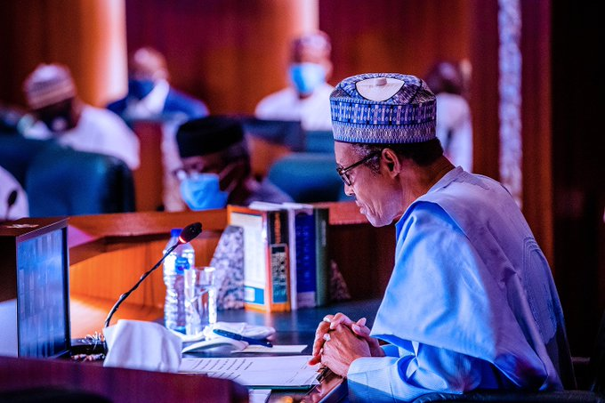Buhari gets 14-day deadline to probe N300bn missing funds