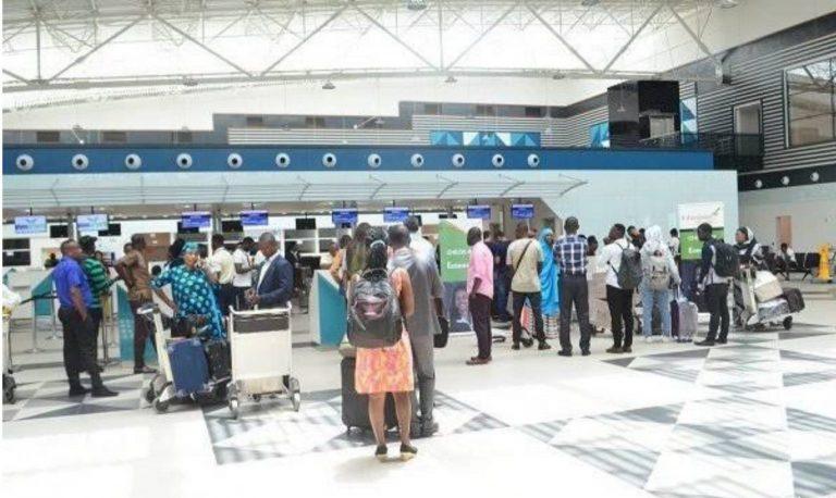 Nigeria's 4th Evacuation Flight Departs US; Two Families Dropped