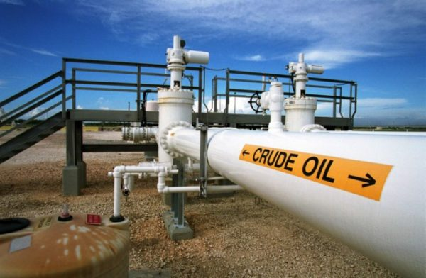 Oil Prices Rise, Head For Weekly Gain