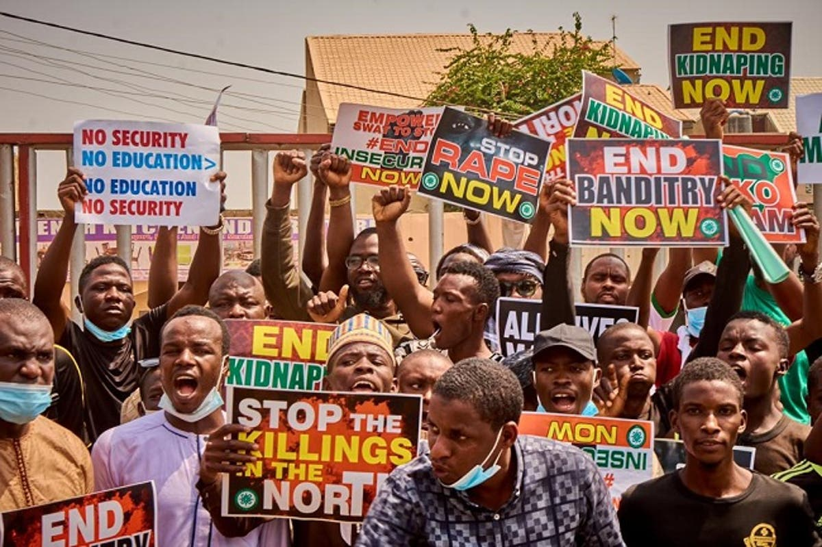 Hoodlums Disrupt Benin #EndSARS Protest, Break Prison's Gate