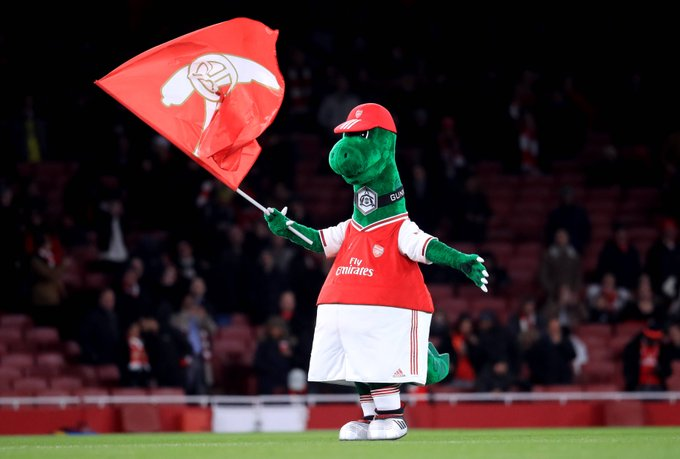 Ozil volunteers to pay salary of sacked Arsenal Mascot