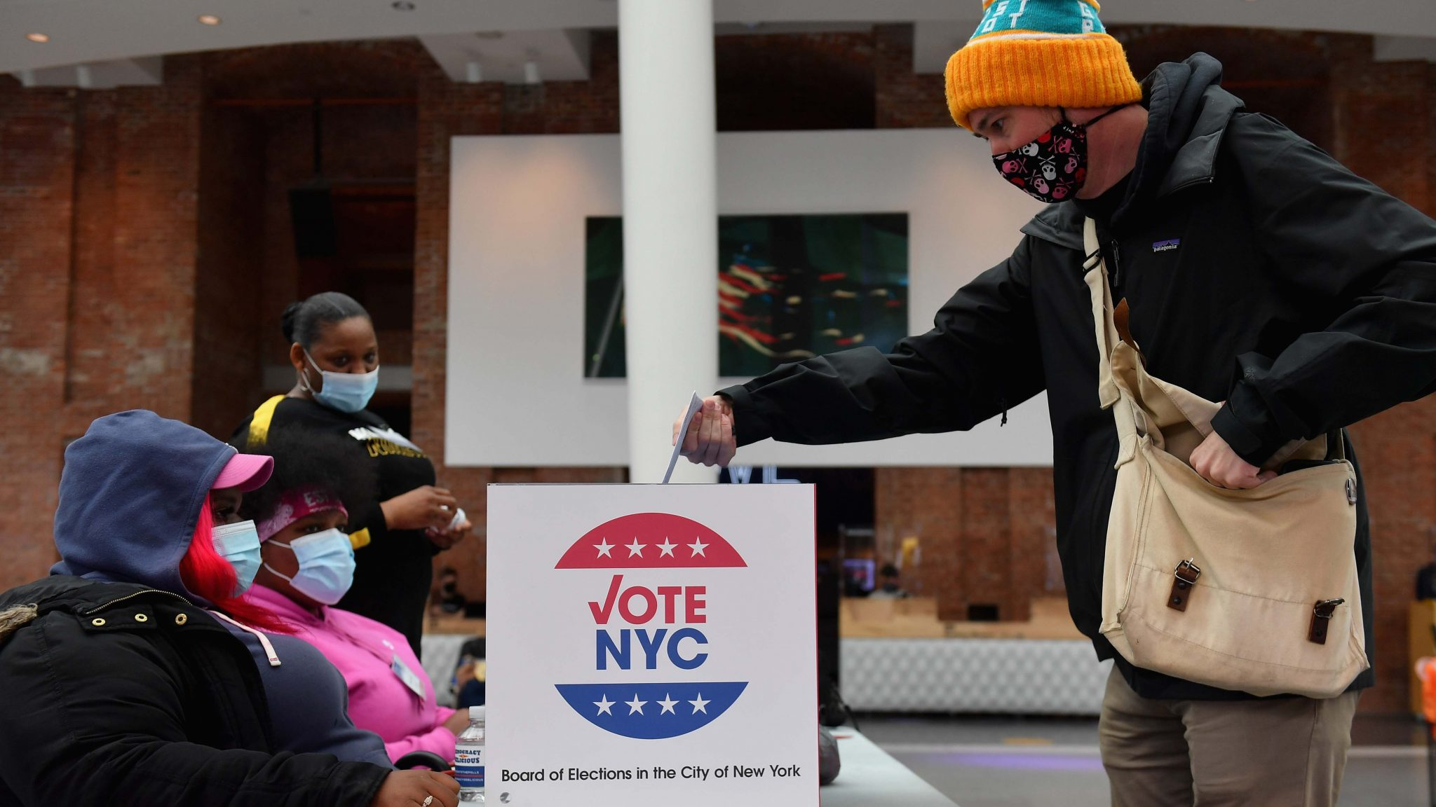 U.S early ballots hit 90 million on Friday