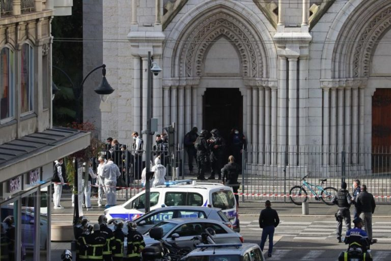 World leaders condemn deadly stabbings in France