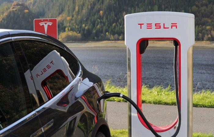 Tesla To 'Recall' Over 285,000 Cars In China, Gives Reasons